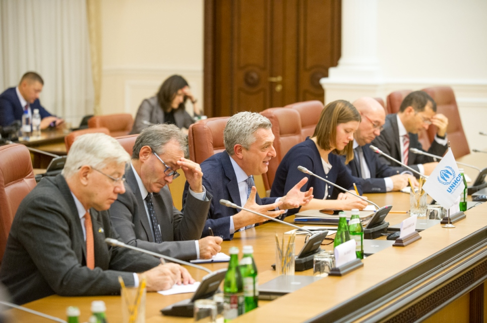 On his first official visit to Ukraine as UNHCR boss, Filippo Grandi is photographed during a meeting with Ukrainian Prime Minister Volodymyr Groysman and senior politicians at the Cabinet of Ministers building.