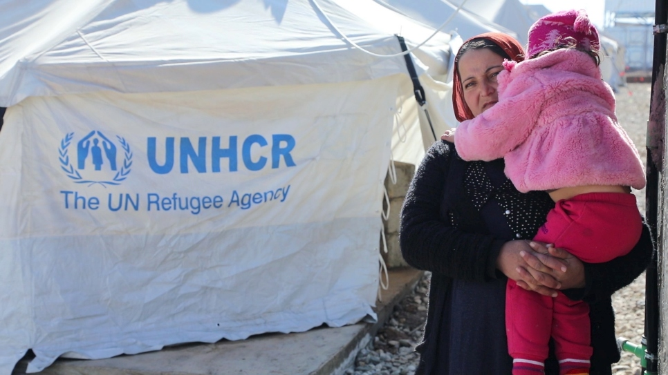 Iraq: Syrian refugee family moves back to camp
