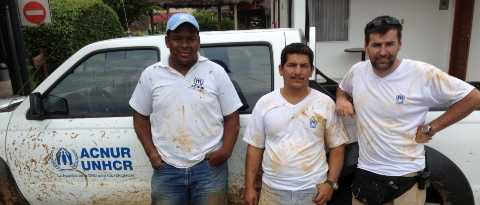 Robert McDonald (right), Senior Regional Field Safety Advisor in Ecuador