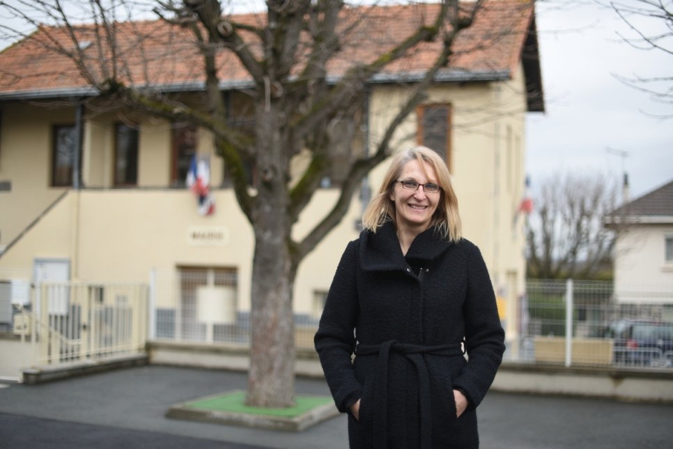 France. Rural village opens its chateau to refugees