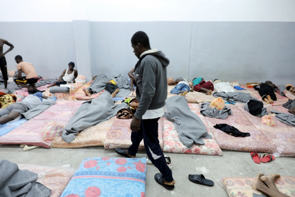 Libya. UNHCR chief visits refugees at Tariq al-Sikka detention facility