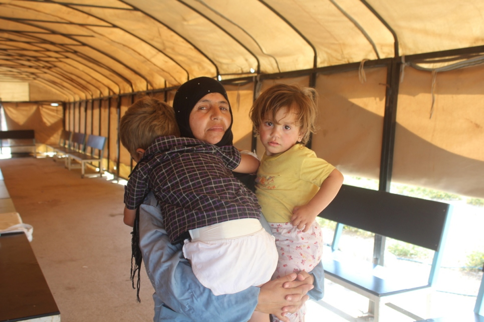 Syria. As fighting surges, a family risk all to flee Ar-Raqqa violence