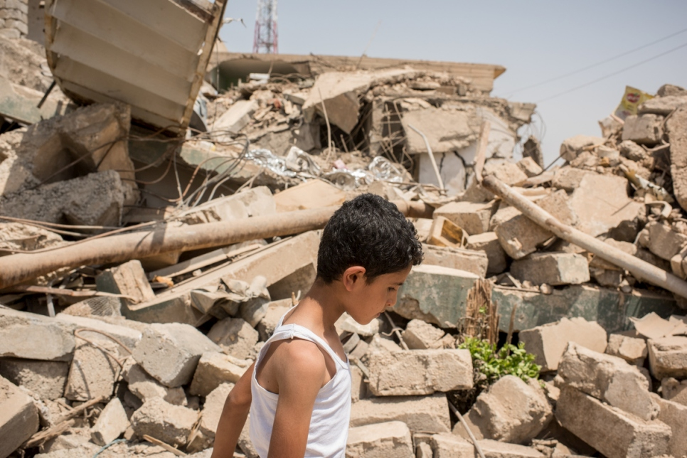 Iraq. Residents return to the rubble of Mosul to rebuild