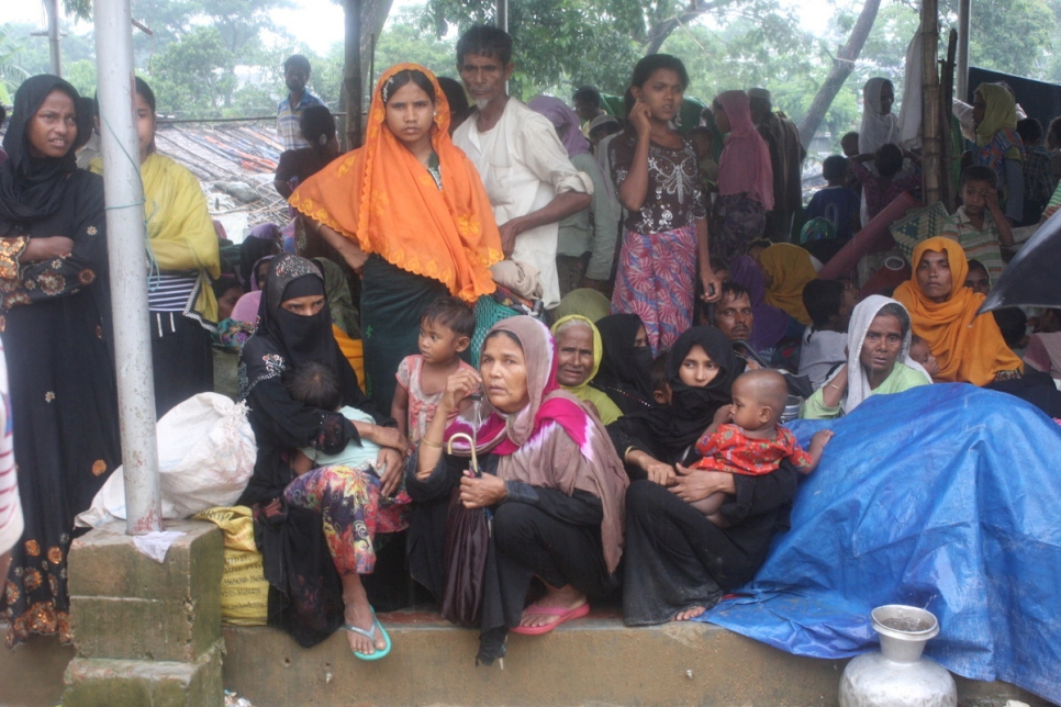 Bangladesh. Shelter urgently needed for Rohingya fleeing violence