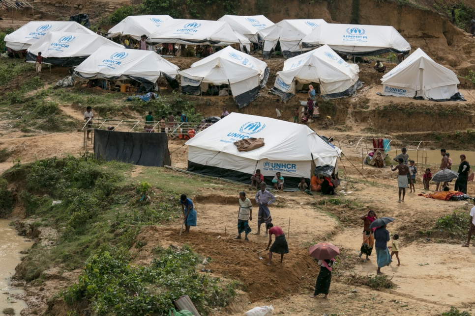 The sprawling Kutupalong c& keeps growing as new UNHCR tents are built to accommodate the hundreds of thousands of Rohingya who have fled Myanmar. & UNHCR - UNHCR: First group of Rohingya refugees moves to new ...