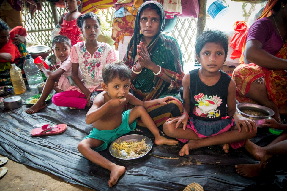 Bangladesh. Rohingya Hindu minority swept up in Myanmar violence