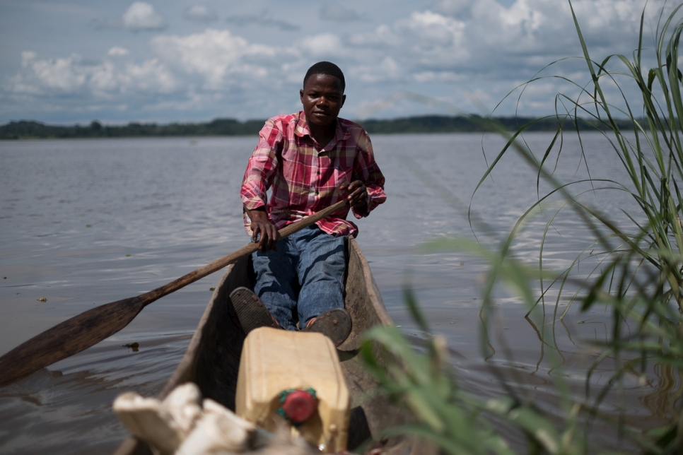 Democratic Republic of Congo. Spontaneous Central African  settlements pop up along Ubangi river