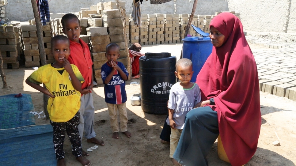 Somalia-Refugees-Returns-Home-thumbnail