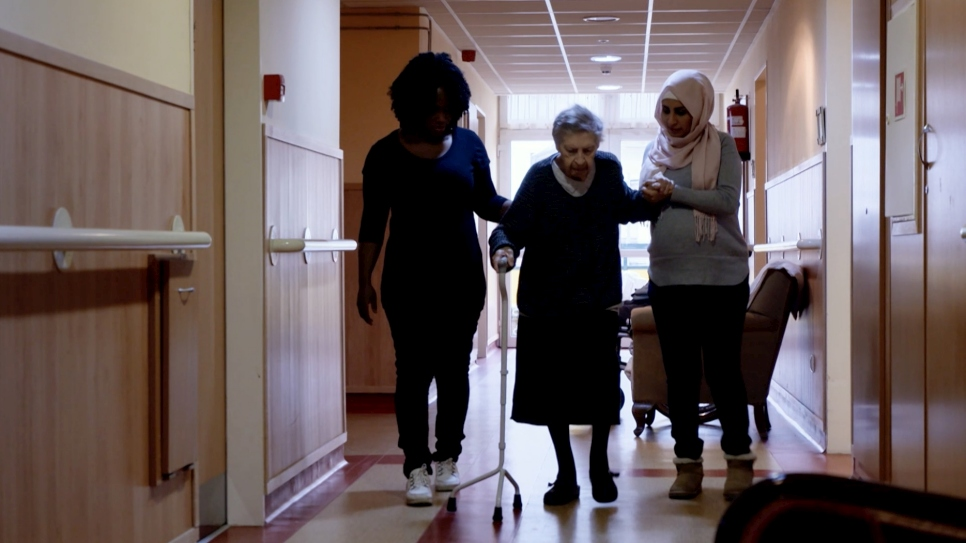 Refugees caring for elderly in Hungarian care home