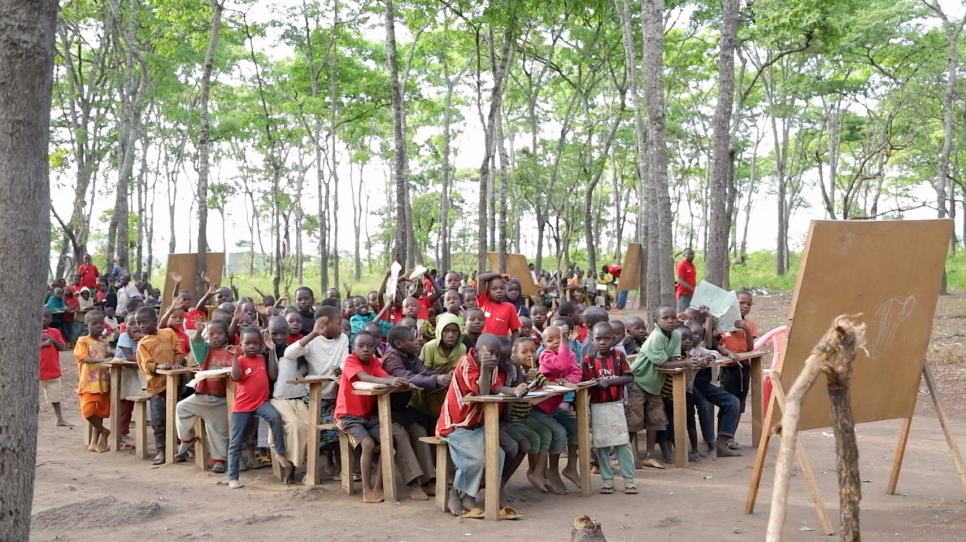 No schools means lessons under the trees for Burundian refugees