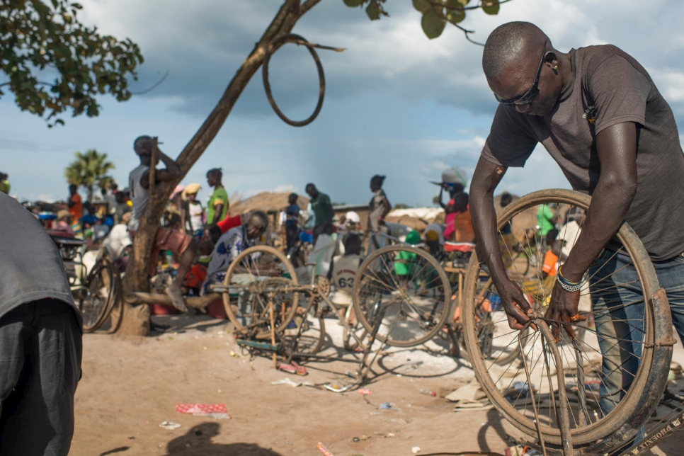 Democratic Republic of the Congo. South Sudanese refugees help themselves to survive