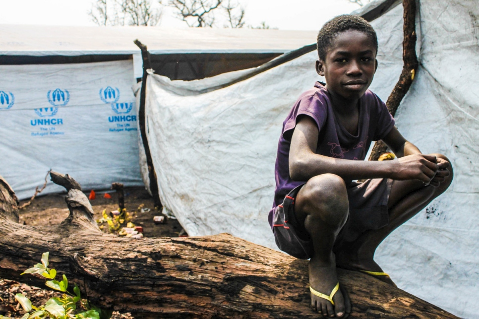 Angola. Congolese refugees relocated to new settlement