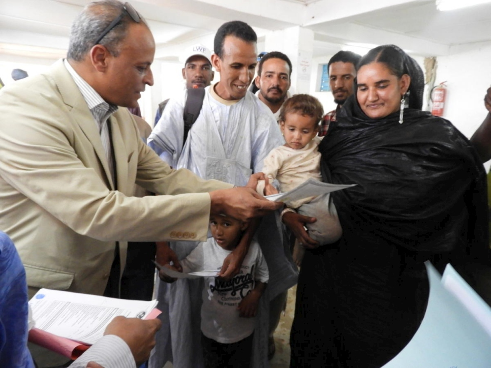 Mauritania. Mauritania begins unprecedented birth certification of Malian refugees in Mbera