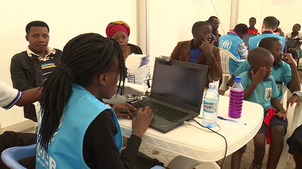 Uganda starts biometric refugee verification