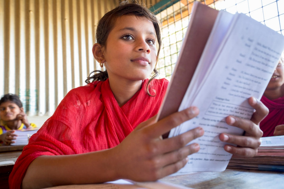 """I like to study English very much, so I can communicate with people of different nationalities easily""