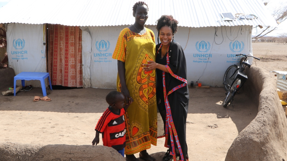 Nomzamo meets a South Sudanese mother and her child in Kakuma refugee camp.