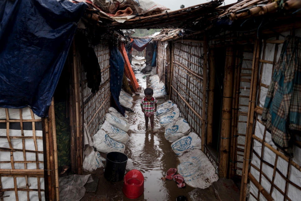 Bangladesh. flooded refugee camp
