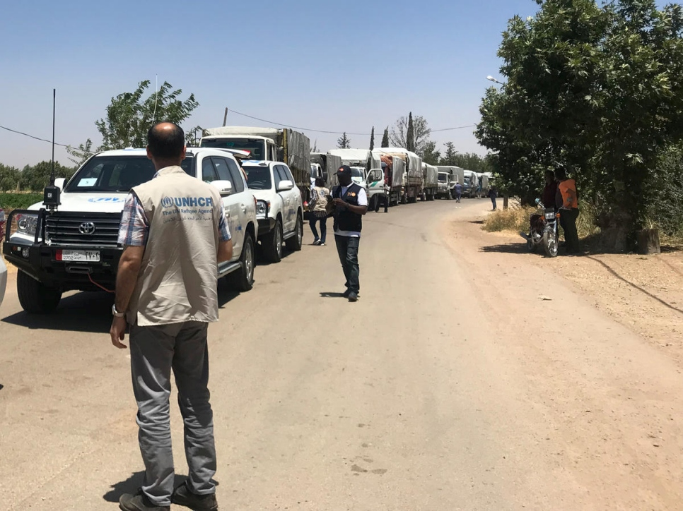 Syria. UN/SARC Inter-agency convoy reach people in Beit Jan for the first time since 2013