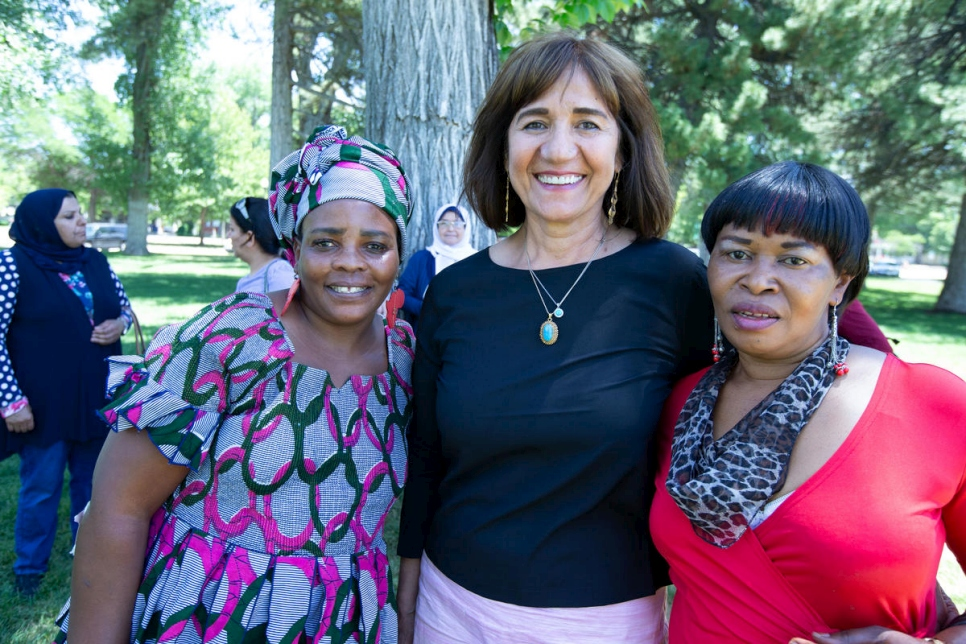 UNHCR - 'Women of the World' helps refugees adjust to life in US