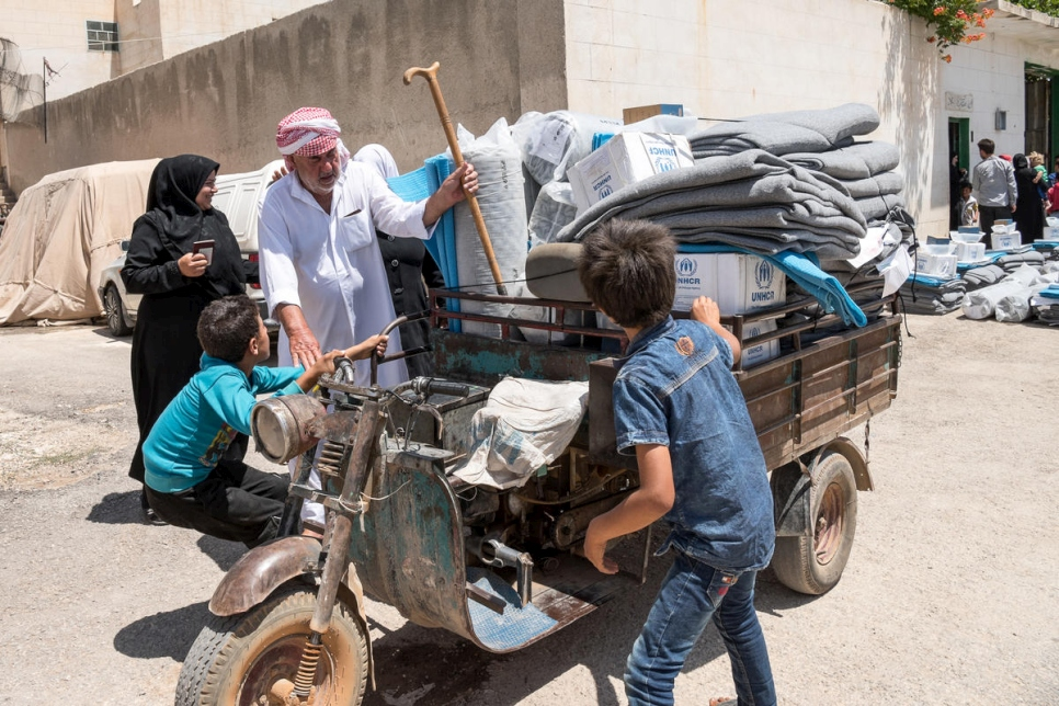 Syria. UNHCR continues to support returning families in rural Aleppo with core relief items