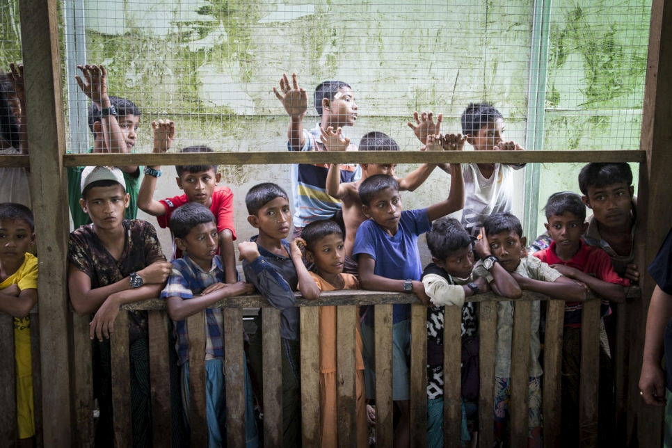 Myanmar. UNHCR chief urges unity in troubled Rakhine state