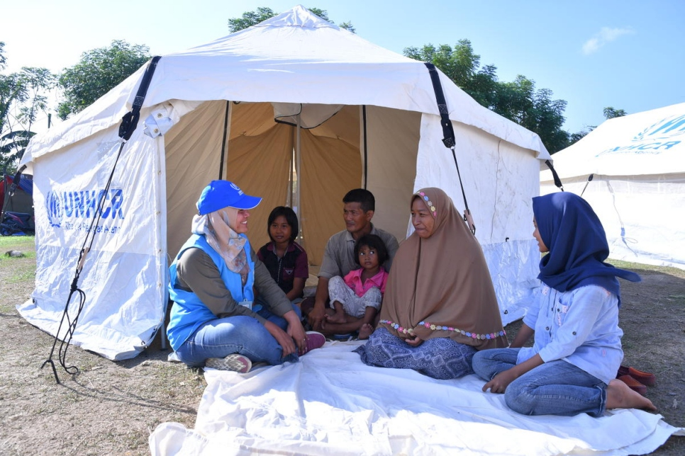 Indonesia. Tent distribution