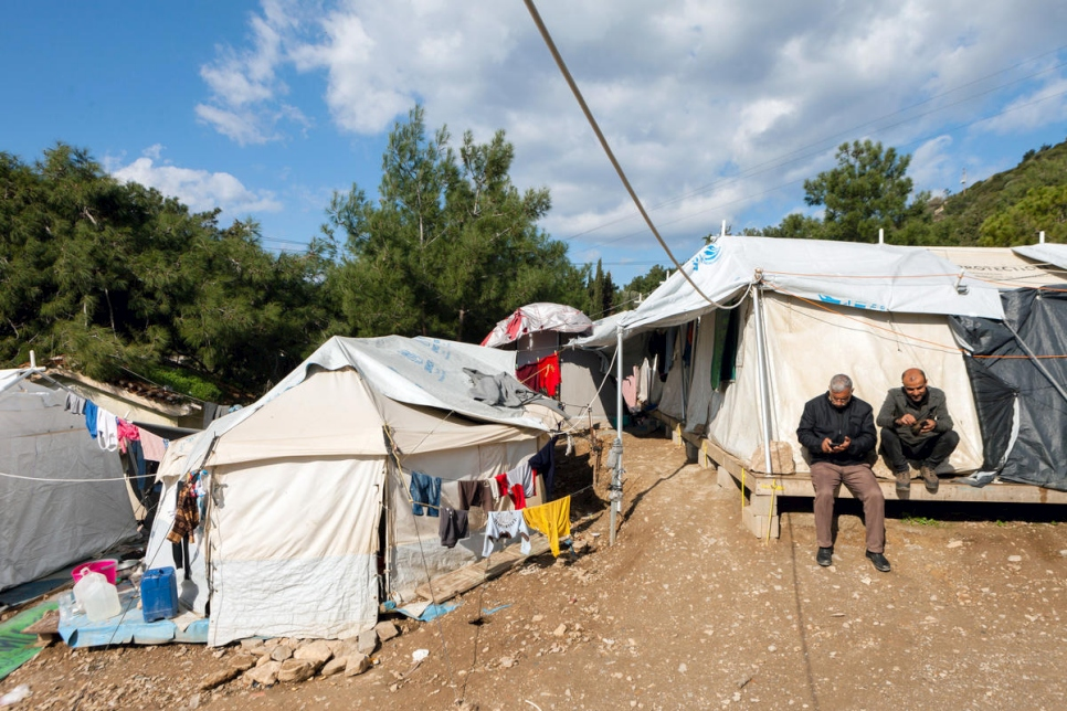 UNHCR - UNHCR urges Greece to accelerate emergency measures