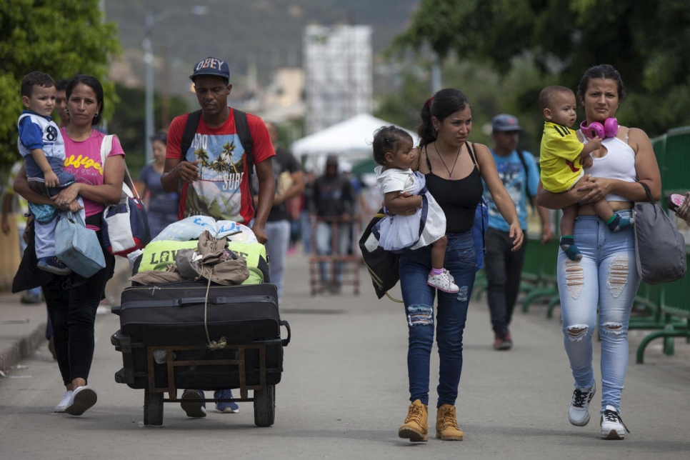 UNHCR - Number of refugees and migrants from Venezuela reaches 3 million