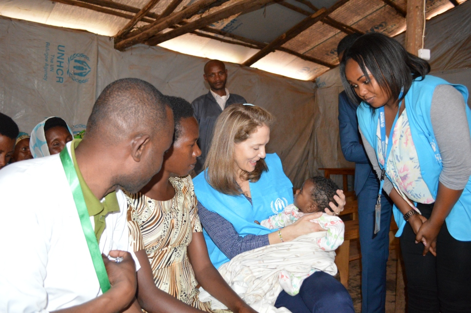 UNHCR Patron, HRH Princess Sarah of Jordan, meets with a mother of a new born child at the mother care ward in Gihembe camp, Rwanda, to hear about the challenges that refugee mothers face daily, notably regarding feeding issues.