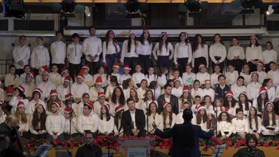 Christmas Choir Brings Together Refugees and Lebanese
