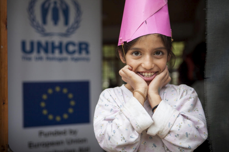 In the hands of refugee children at the open accommodation site of Thermopyles, a piece of paper becomes a hat. All it takes is some imagination. Thanks to funding by the EC-Humanitarian Aid, UNCHR distributed 130 school bags with stationary, bringing smiles to the children's faces and hope to their parents.