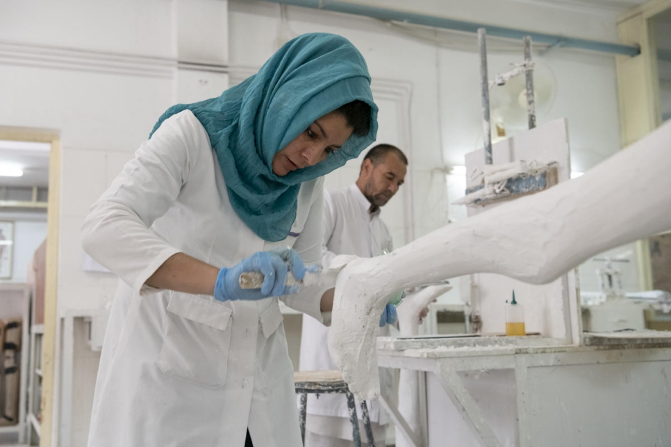 Afghanistan. Physio gets Nansen nomination for prosthetic limb programme