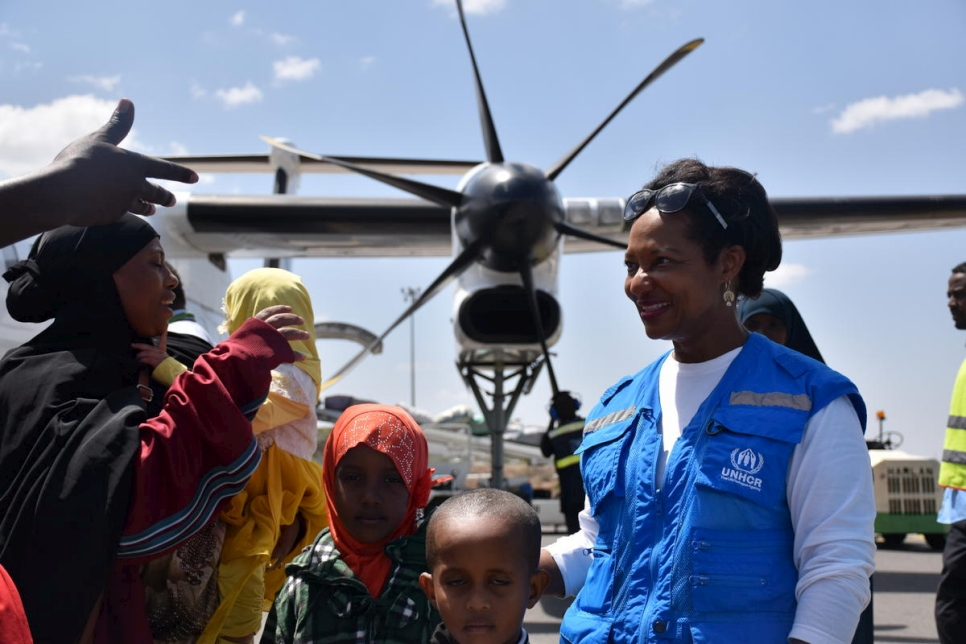Ann Encontre, UNHCR's Representative in Ethiopia welcomes the returnees at the airport in Dire Dawa, Ethiopia.