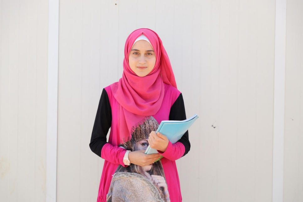 Jordan. Syrian teenager harnesses passion for teaching during pandemic