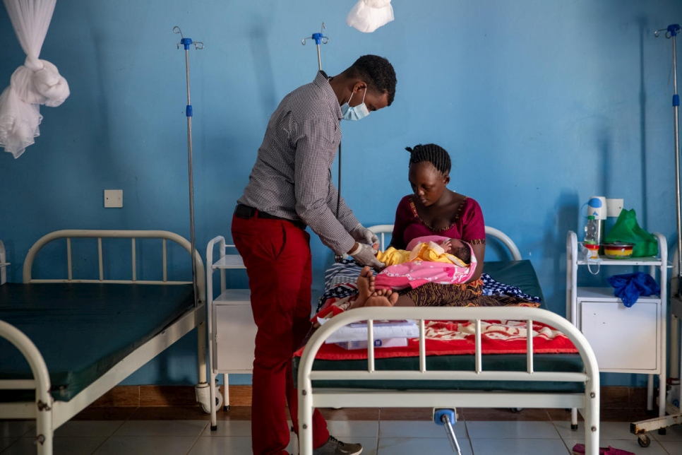 Kenya. Refugees and host community access maternal health during COVID-19