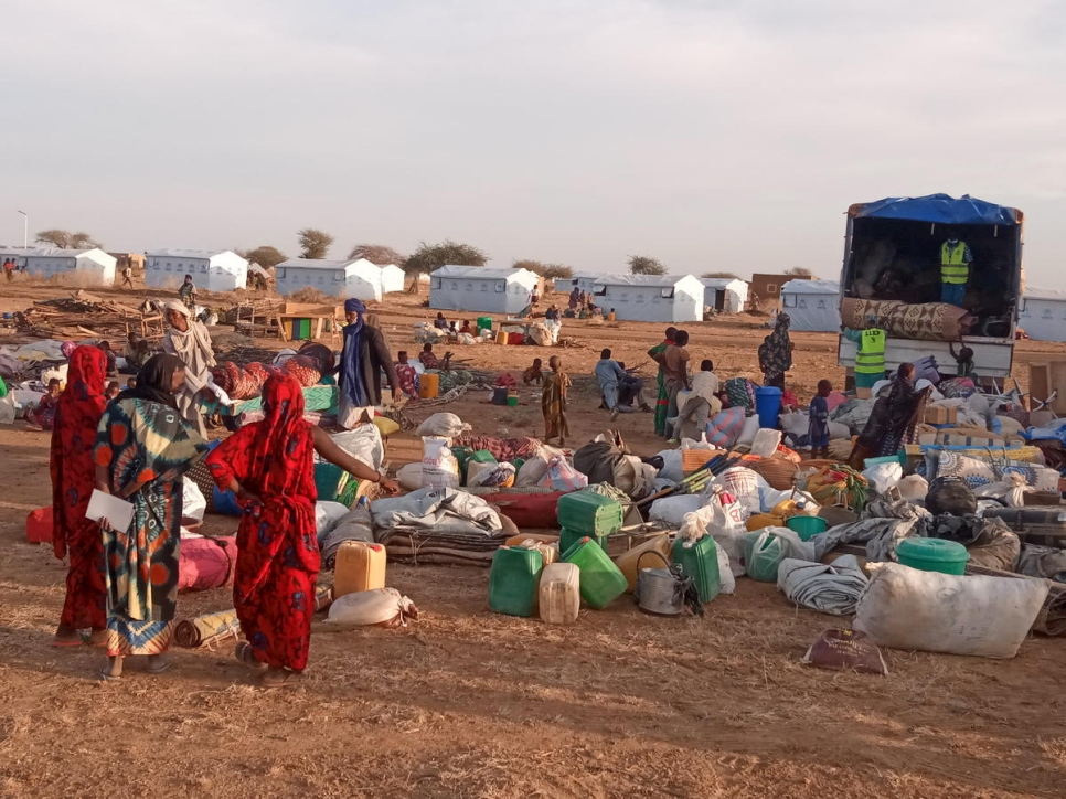Malian refugees return to Goudoubo camp which they had left for security reasons