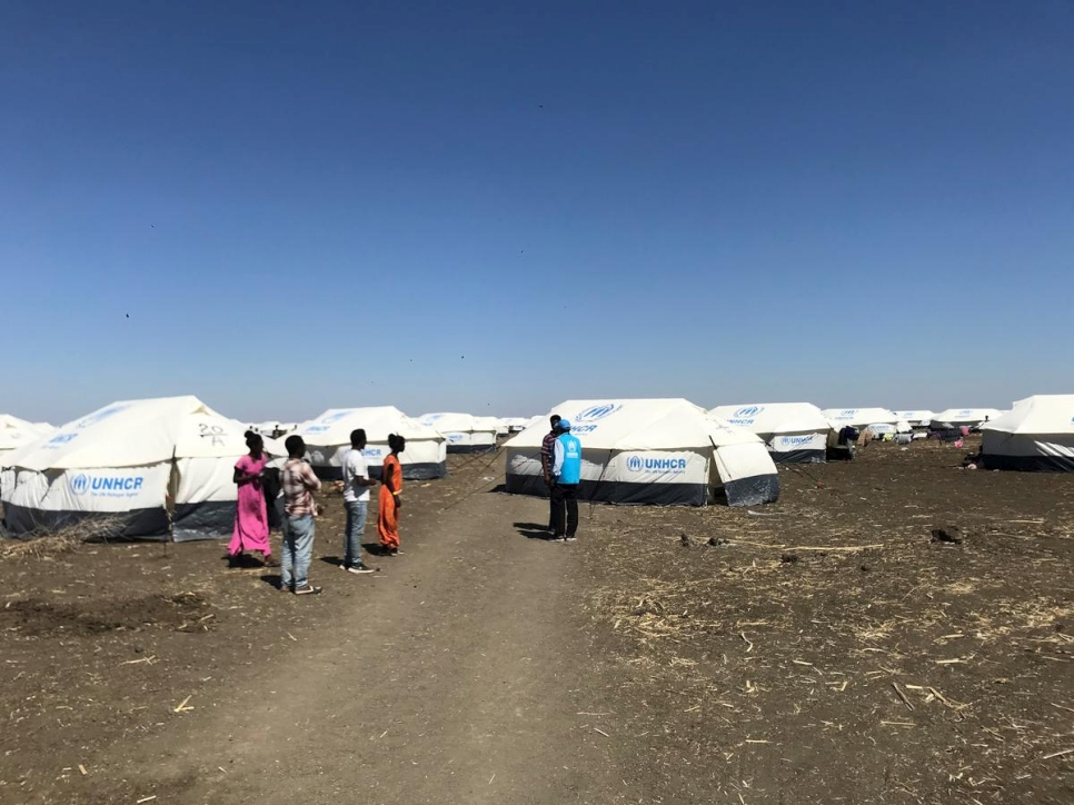Sudan. UNHCR relocates first Ethiopian refugees to a new refugee site