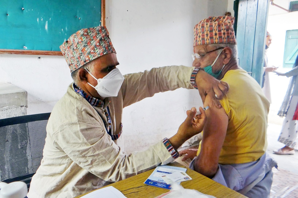 Nepal. Refugees receive COVID-19 vaccination