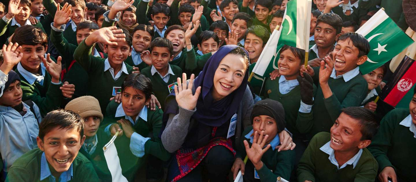 Pakistan. National Goodwill Ambassador of UNHCR Yao Chen with the students of Khadozai boy school, Mianwali