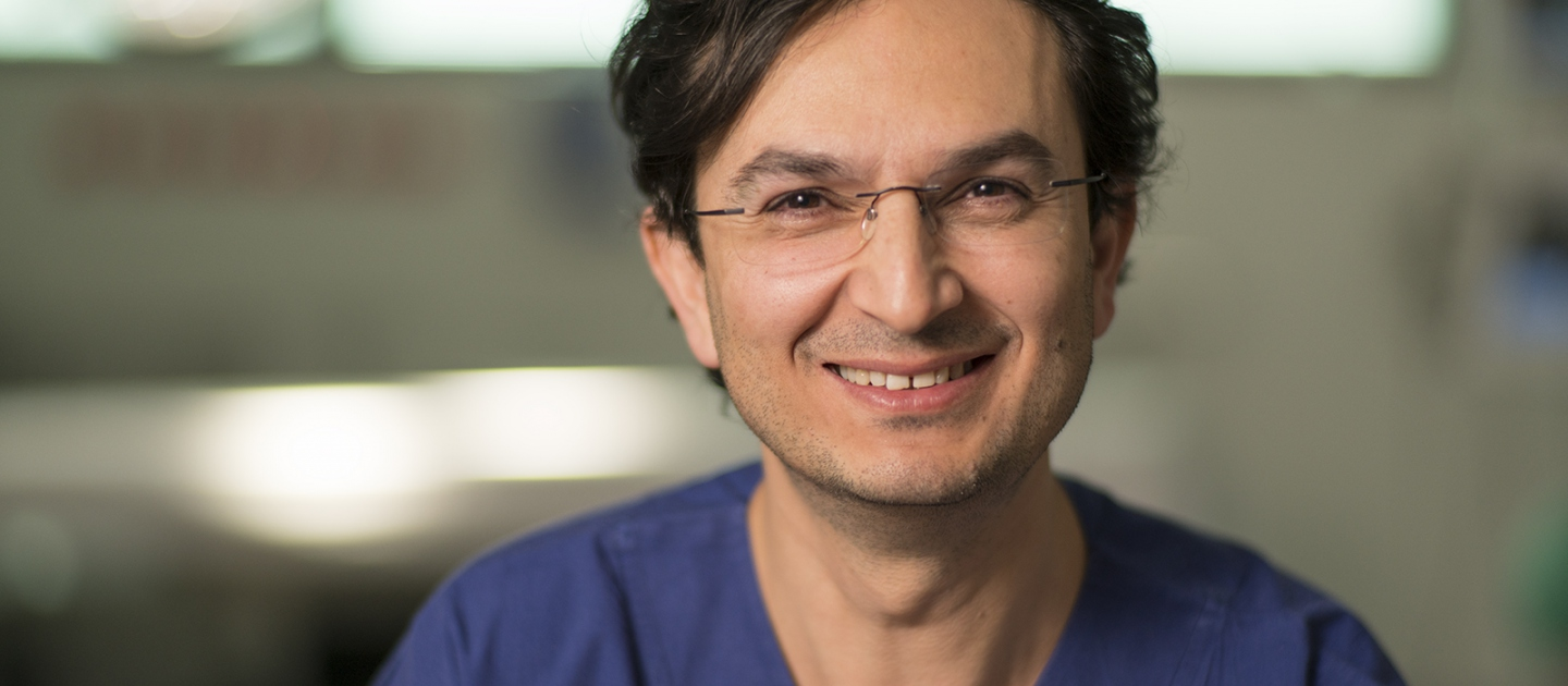 Working as a junior doctor in Baghdad, Dr. Munjed Al Muderis' life changed forever when he was ordered by the military to cut off the ears of army deserters. Unwilling to do it, he fled Saddam Hussein's Iraq in 1999, and sought asylum from Australia by sea.
