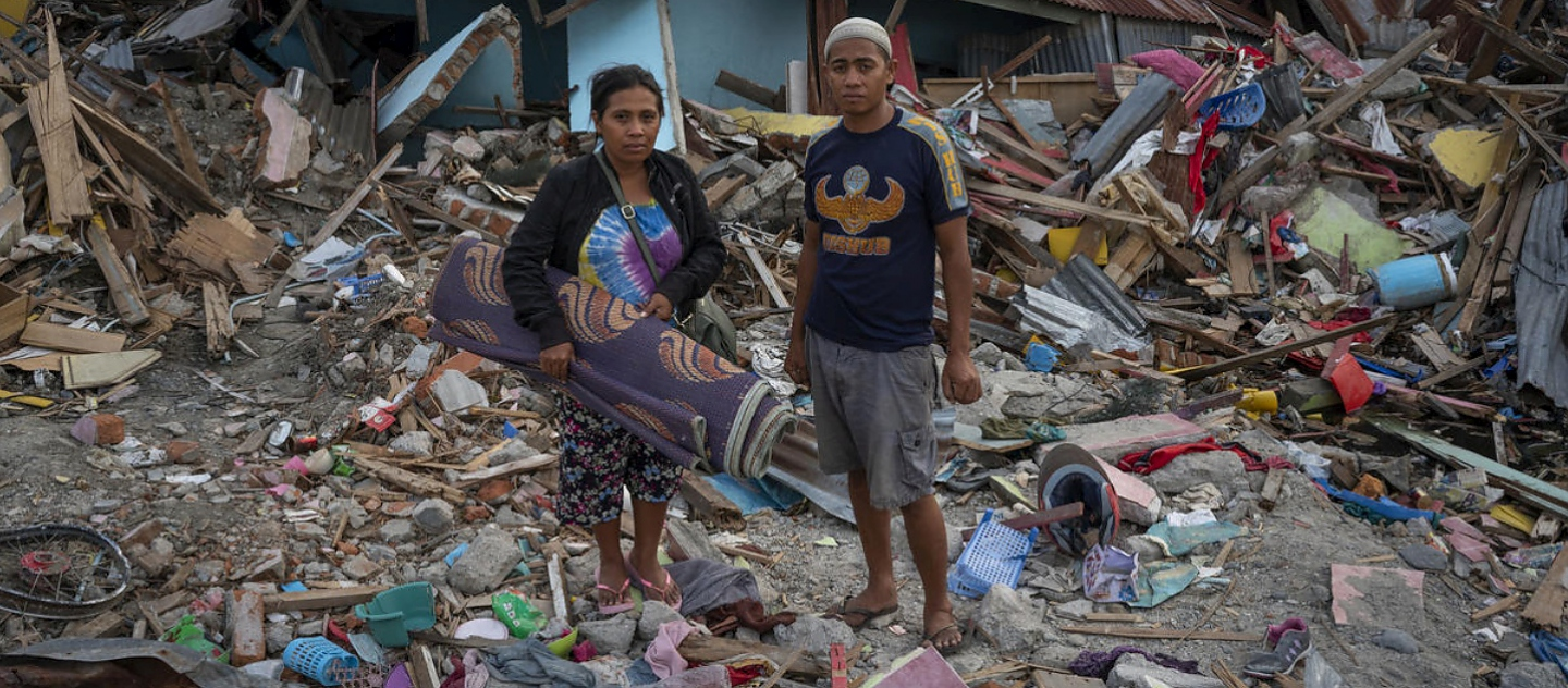 Indonesia. Struggling to survive in the aftermath of an earthquake