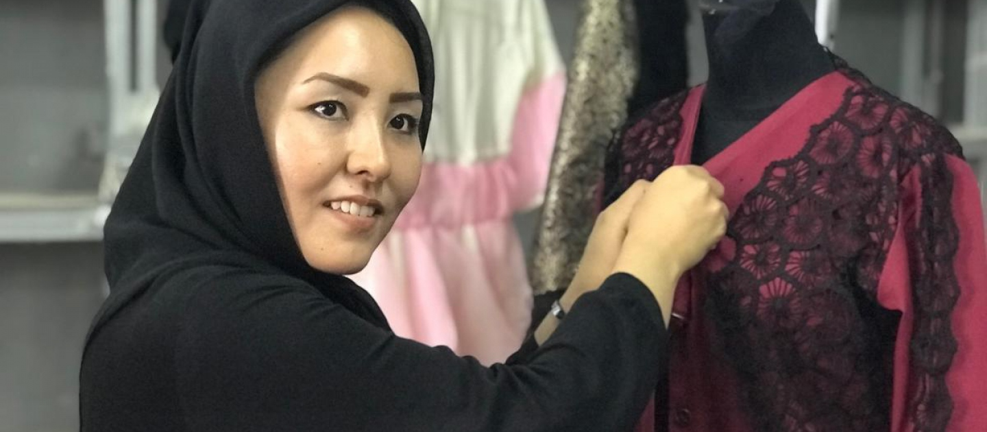 Indonesia. Fashion guru empowers refugees without legal rights to work or study