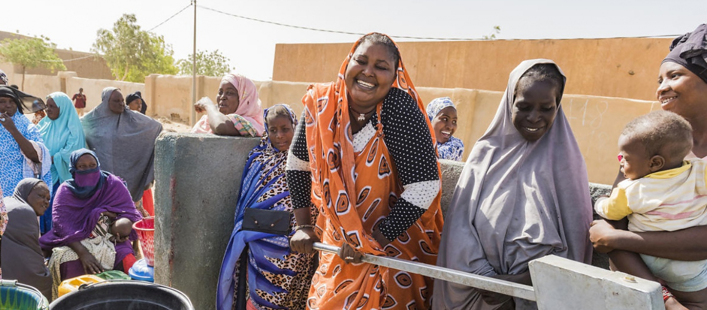 Mali. New well brings fresh hope and water to Gao neighbourhood