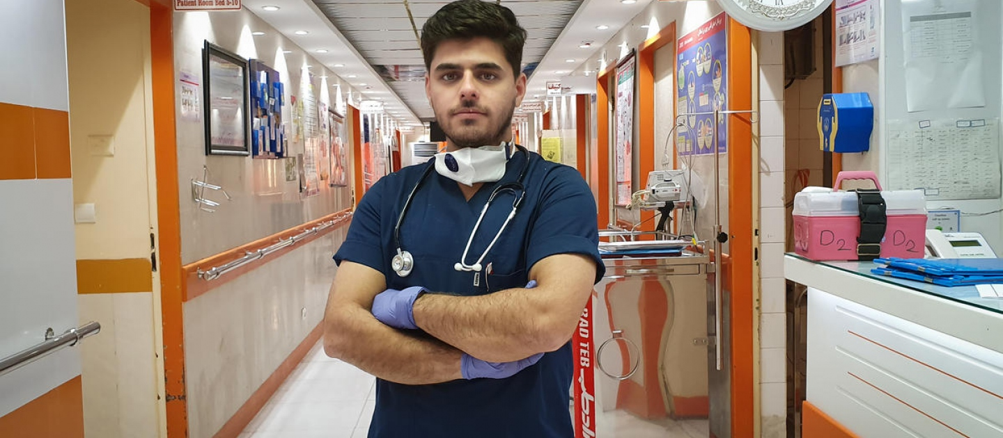 Iran. Moheyman, an Iraqi refugee nurse, begins is 12-hour night shift at the in-patient ward of a hospital in the south of Iran. He administers the COVID-19 tests to patients.