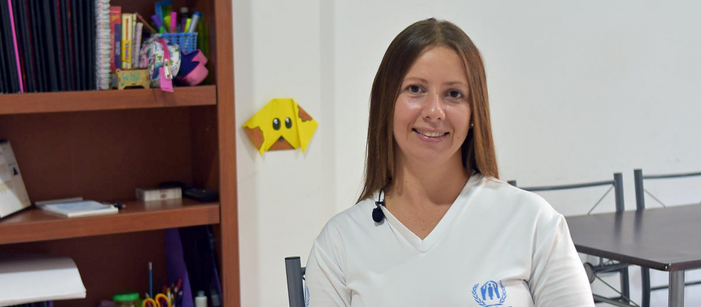 Colombia. UNHCR volunteer helps fellow Venezuelan refugees integrate