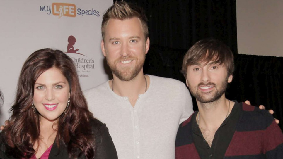 GRAMMY Award-winning trio Lady Antebellum began a multi-year partnership with UNHCR in 2012. Our organization was one of five to benefit from the American country music band's charity initiative, LadyAID™, created to bring awareness to and generate support for children in need, including young refugees in the United States and globally. The trio from Nashville, Tennessee chose UNHCR as their primary global partner.