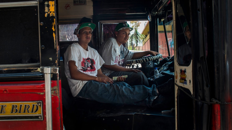 Public transport is just as dangerous for the bus drivers in Guatemala, whose routes take them through the different gangs' territories. Those who fail to make protection payments risk being threatened, assaulted or even murdered. In 2014, 102 drivers were killed, according to the Inspector General's Office on Human Rights.