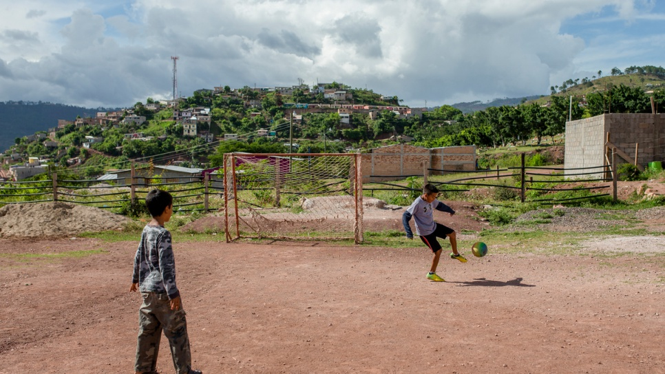 Children play in a small community in the city of Tegucigalpa.