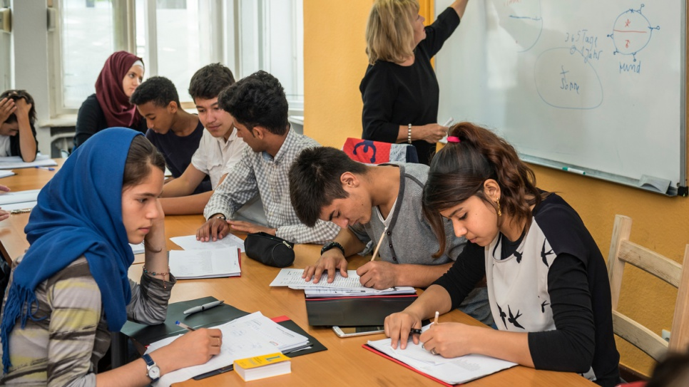 Teachers at the Lehrreich summer school in West Berlin say that unaccompanied minors find it harder to make progress learning the new language.