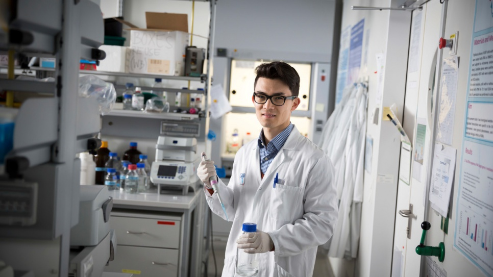 Mojtaba Tavakoli, 22, had only completed his elementary education when he fled the Taliban in Afghanistan at the age of 13. Now he is studying molecular biology at the Medical University in Vienna and aiming for a future career in cancer research.